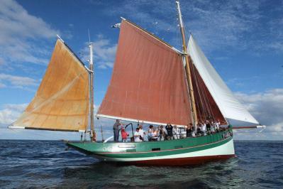 Les sept iles a bord du saint guirec 3 large rwd