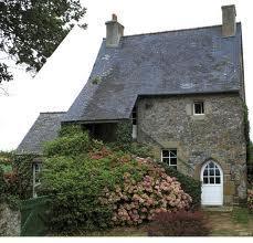 maison-du-chapelain-a-st-nicolas-de-kerhir.jpg